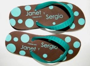 sandalias y pantuflas para tu fiesta, boda, evento. llámanos. querétaro