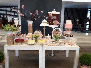magnifique mesa de dulces & diseño floral